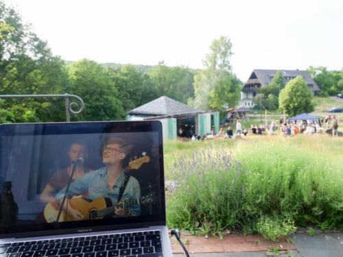 Lukas Linder, Stream + Live